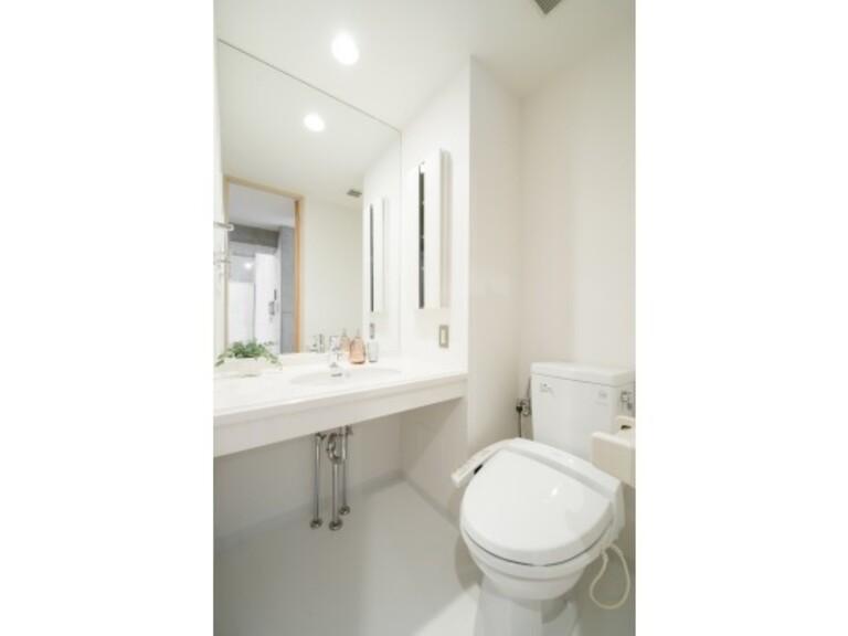 WELLTOWER(トイレ・洗面 ※家具、調度品は実際には設置されません。)