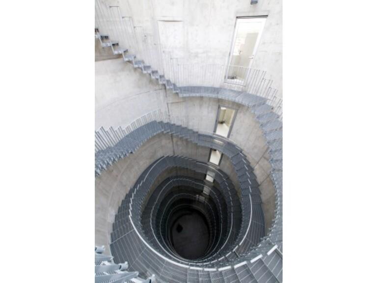 WELLTOWER(螺旋階段)