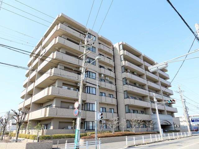 ロイヤルシャトー勝川(外観)