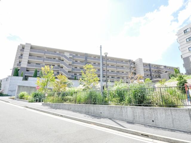 レーベン横濱鶴ヶ峰テラス(外観)