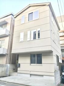 東京都目黒区東山1丁目(駐車場スペースはコンクリート敷きにします♪)
