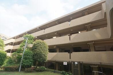 コンフォール新百合ヶ丘(建物外観)